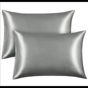 Two Satin pillowcases (2) silver/gray Standard New